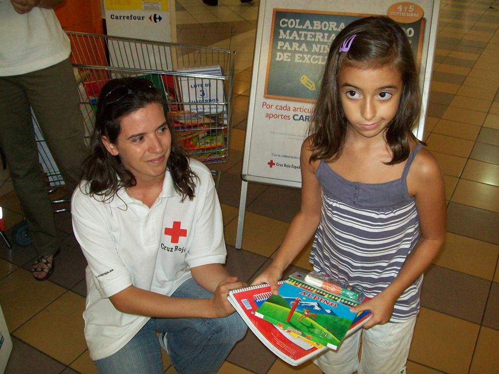 Campaña vuelta al Cole Solidaria promovida por la Fundación Solidaridad Carrefour y Cruz Roja